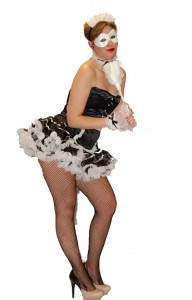 Pin-up maid